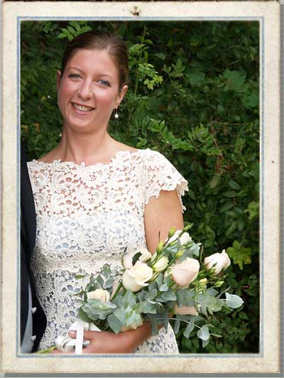 Country Wedding Bouquet on Oxfordshire Wedding Flowers  Wedding Flower Bouquets
