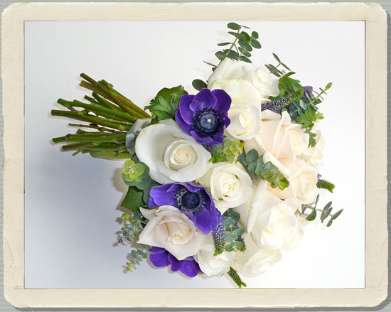 white rose bouquets, oxfordshire wedding flowers, white wedding flowers