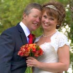 autumn wedding flowers, cotswolds wedding flowers, evesham wedding flowers, red wedding flowers
