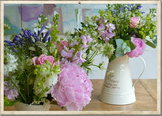 Cotswolds country wedding flowers