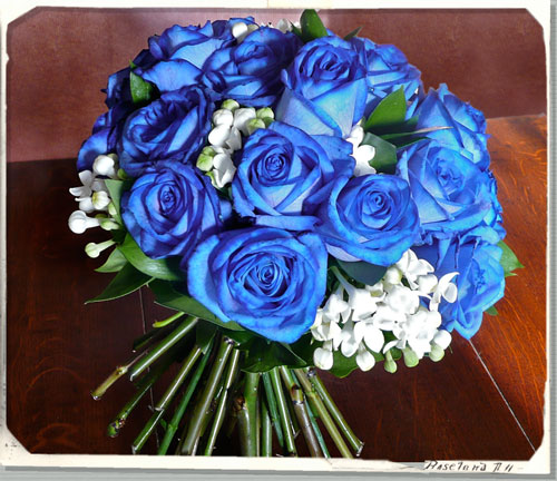 Blue Wedding Flowers Are So In This Year