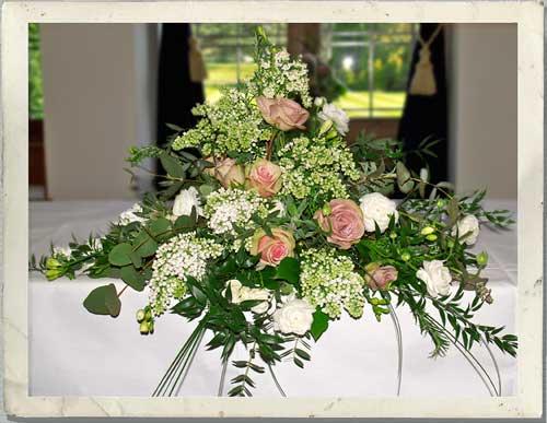wedding flowers arrangements, wedding flower bouquets, wedding table centres