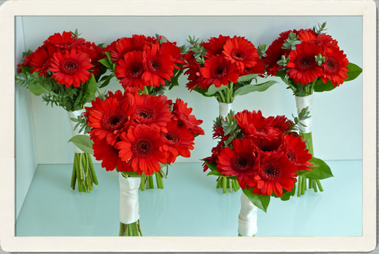 Red wedding flowers bright symbols of good luck for your wedding - Flowers good luck bridal bouquet ...