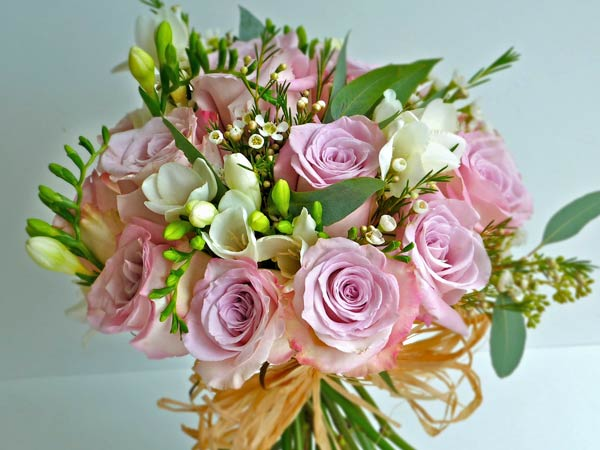 September Wedding Flowers Can Be So Creative And Exciting