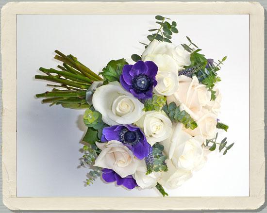 white rose bouquets, oxfordshire wedding flowers, white wedding flowers